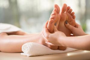 foot massage in delhi